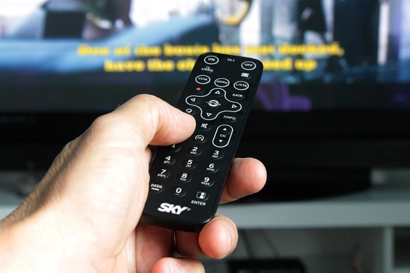 remote-control-2717777_1280